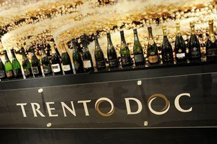 Trentodoc renews its partnership with the Institute of Masters of Wine